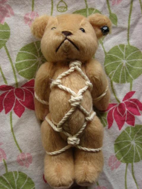 でっかい亀甲縛りくまキーホルダー④|人形|いっちぃ|ハンドメイド通販・販売のCreema