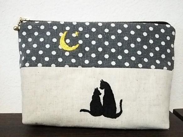 三日月と黒猫の刺繍ポーチ☆彡