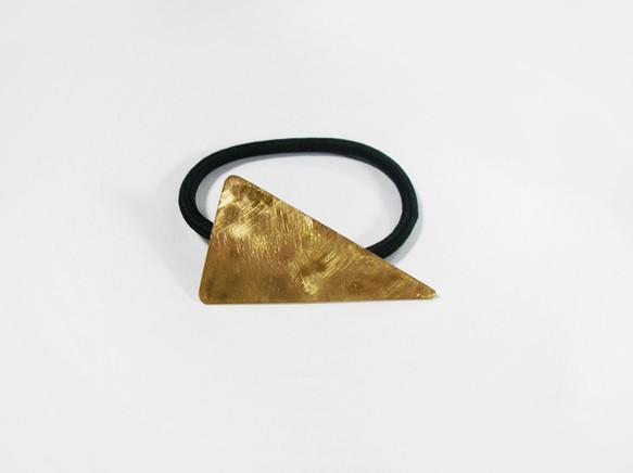 (再販)二等辺三角形の真鍮製ヘアゴム | katemeのヘアアクセサリー