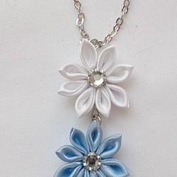 つまみ細工の三色ネックレス(ブルー系)|ネックレス・ペンダント|Mondfinsternis|ハンドメイド通販・販売のCreema
